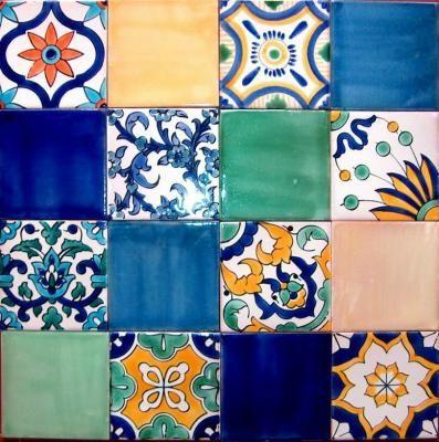 Pannello di 16 piastrelle tunisine