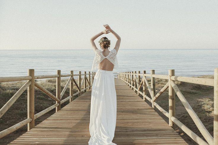 #LoveratoryPic Shotting inspiración para Loveratory con vestido de Alicia Rueda Atelier. (Pic by Edu Gómez) www.loveratory.com  #Loveratoryiscomingnow #NewLoveratory #amarsabeelamor #papeleríadebodas #invitacionesdeboda #weddingstationery #bodas #novias2016 #invitacionesdeboda2016 #desingforwedding #brandingdeboda #bridaldesing #amamoselpapel