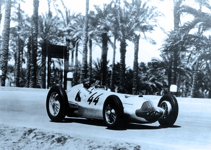 Triple victory in the Grand Prix race in Tripoli on May 15, 1938. Hermann Lang ahead of Manfred von Brauchitsch (photo) and Rudolf Caracciola – all driving Mercedes-Benz W 154 cars.
