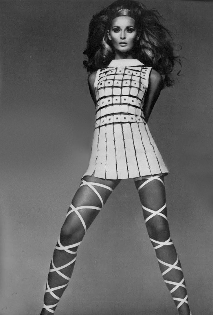 Photo by Richard Avedon, 1967.A Paco Rabanne dress and the world's most amazing sandals.