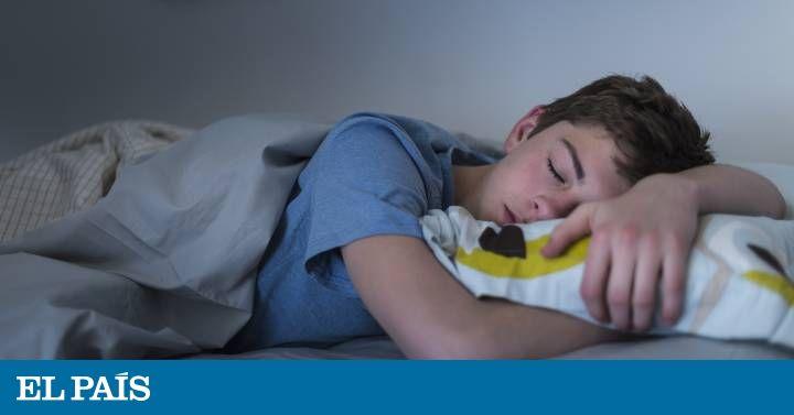 Los móviles con conexión a la red son la causa de que los jóvenes descansen menos tiempo
