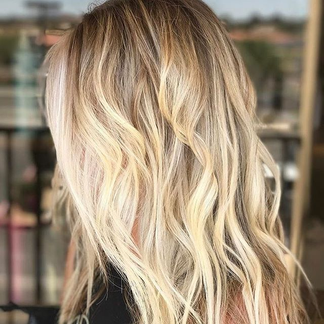 Want. This. Blonde. Color by @hairbytiffany_myers13  #hair #hairenvy #hairstyles #haircolor #blonde #balayage #highlights #newandnow #inspiration #maneinterest