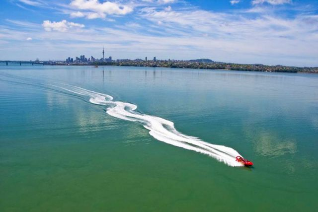 Auckland Adventure Jet is an adventure tourism activity for thrill seekers to see Auckland City a different way, on anexhilarating 35-minute jet boat ride on theWaitemata Harbour.Combining adrenaline pumping high-speed manoeuvre's with spectacular scenic locations, arcing fishtails, spins and power brakes make the experience a fast and fun adventure.Traveling at high speeds in excess of 50 knots the journey takes you beneath the iconic Auckland harbour bridge...