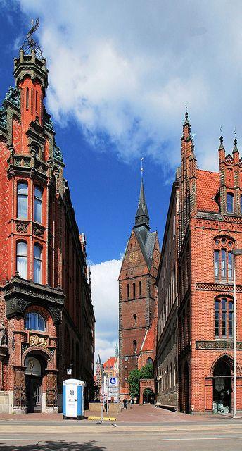 Marktkirche, Altes Rathaus, Ratsapotheke - Hannover, Germany