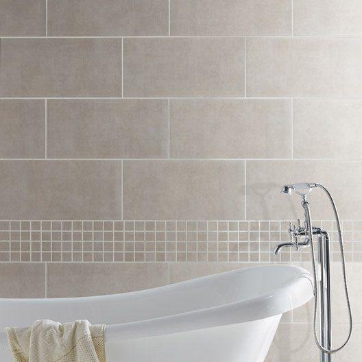 1000 id es sur le th me salle de bains taupe sur pinterest for Salle de bain carrelee jusqu au plafond
