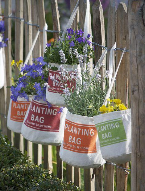 Cool Ein Garten in der Tasche Einj hrige Herbstsch nheiten kommen in den originellen Pflanztaschen Trendy