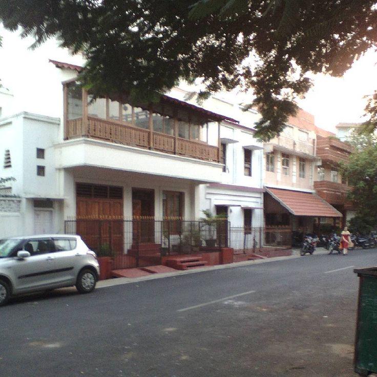 Quartier franais de Pondicherry Bientt dautres photos pour le momenthellip