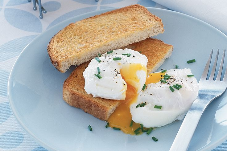Poached eggs are delicious with all kinds of ingredients - try them served with asparagus, cured meats, smoked salmon, pastas, soft cheeses, salad leaves, tomatoes, potatoes, spinach, field mushrooms, avocados, pestos and mayonnaises.