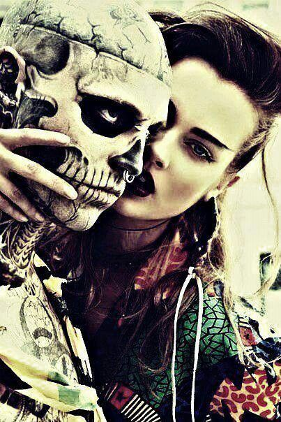 Just a lil' skull lovin' #skull #love #hot #rebelcircus