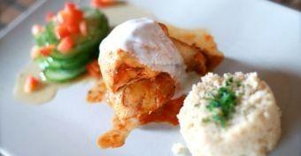 Még nem tudod, mi legyen az ebéd? Van egy ötletünk: új köntösben a mindenki által kedvelt csirkepörkölt! #csirkepörkölt #recept