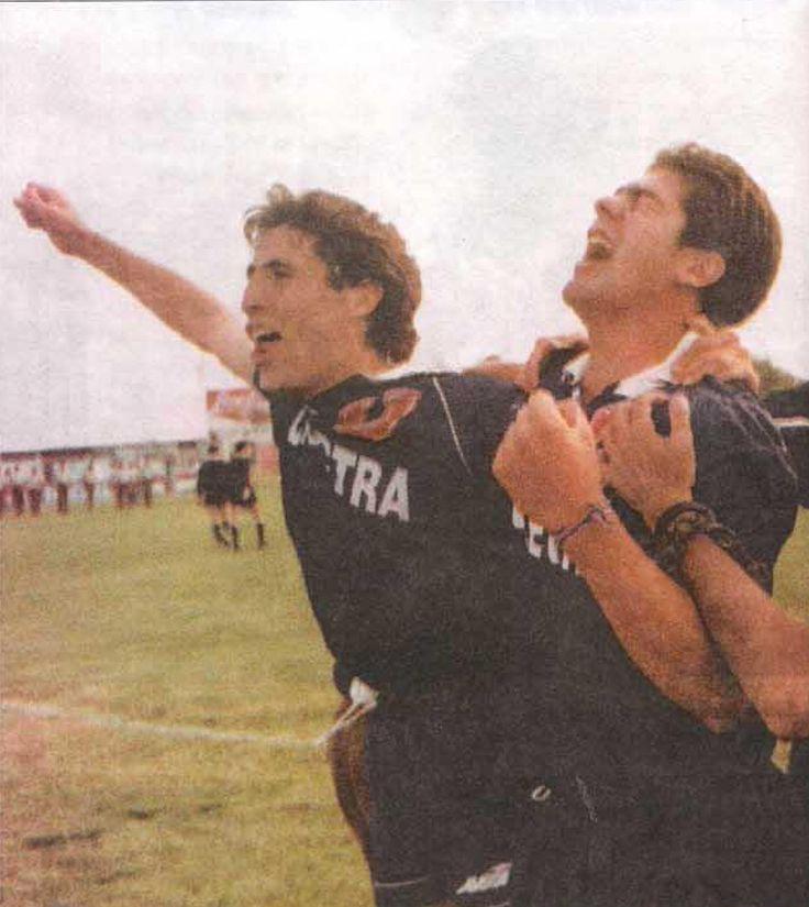 Marcelo Salas y Marcelo Jara pitazo final,campeónes después de 25 años en el Salvador ante Cobresal