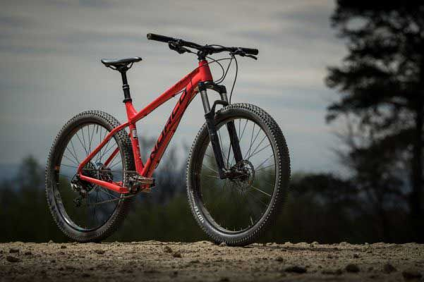 The 10 Best Cheap Mountain Bikes Under 200 Of 2020 In 2020 Best