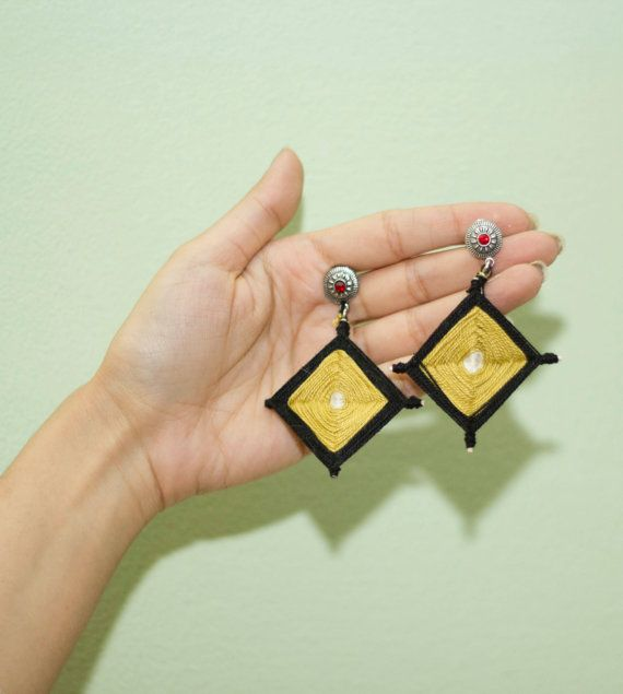Kite runner earring- Panje Bafi is a traditional technique to make ornamental elements for home. I used Panje Bafi as jewerly.