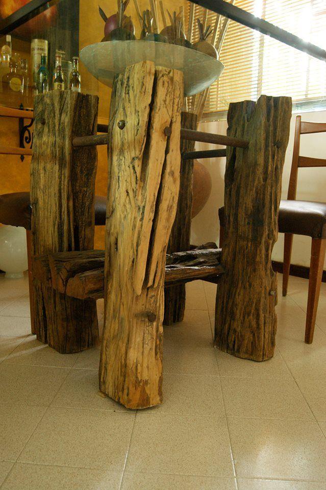 Comedor #rústico fabricado en Madera polín, hierro y vidrio. Síguenos en facebook: @forjania #Art #Wood #Iron #Vintage #Decor #Home #Family