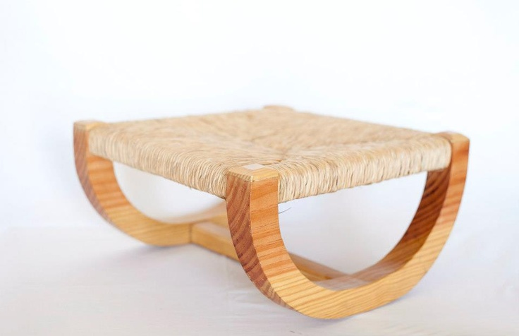 Wood Stool | 50x50x20 cm | Made in Redondo, PORTUGAL | Alentejo's chair technique | Craftsman: José Vicente