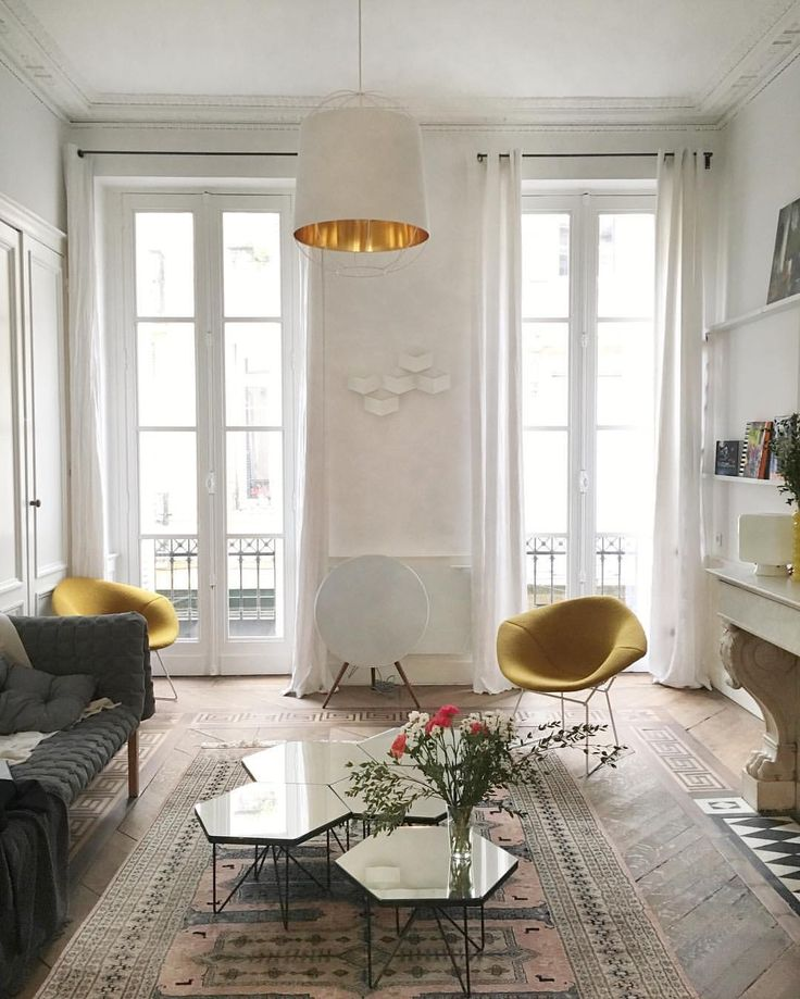 Even Beter The Appartement Of One Your Favourite Style Icon Adenorah Its Beautiful Im Going To Post A Parisian Inspired Interior Moodboard Soon