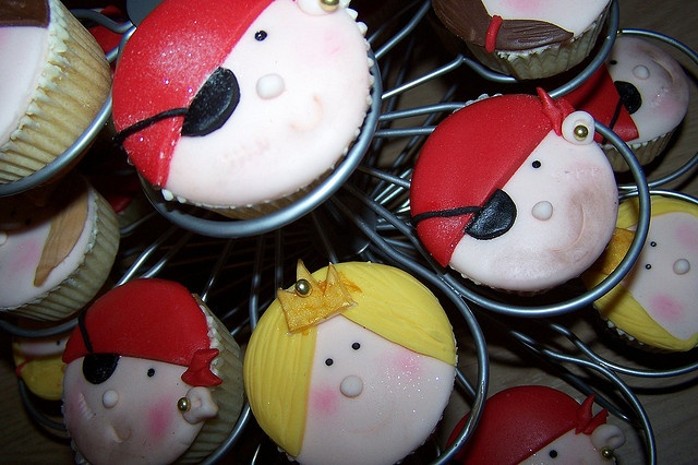 pirate and princess cupcakes by shelleys cakes, via Flickr