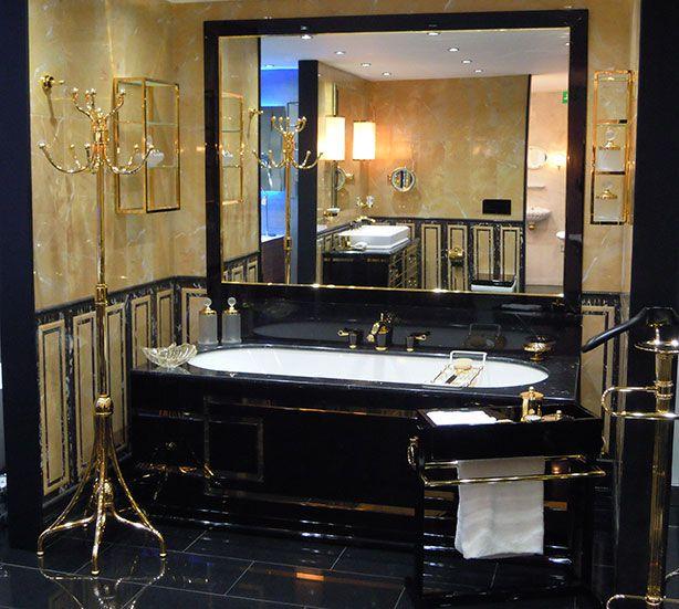 Oasis @ West One Bathroom in Mayfair showroom - Lutetia Aurelie bathtub.