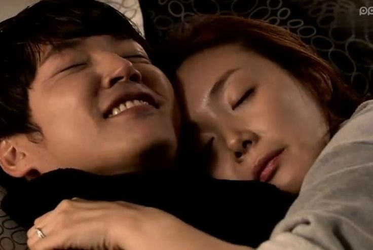 "Yoon Sang Hyun and Choi Ji Woo from K-drama ""Can't Lose"" One of my fav scene."