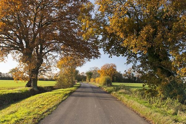 Country lanes close by make this the perfect destination for cyclists.
