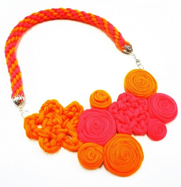 Collane fai da te con fettuccia ribbon necklace looking for new ideas!