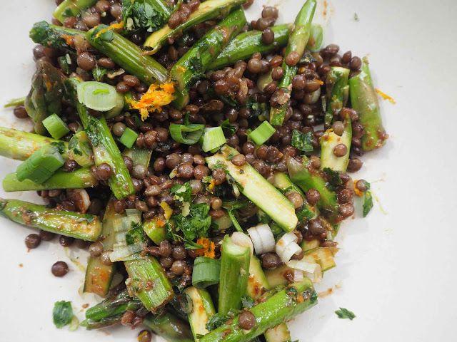 Sécotine fait sa maligne: Salade de lentille et asperges vertes, vinaigrette au miso et gremolata