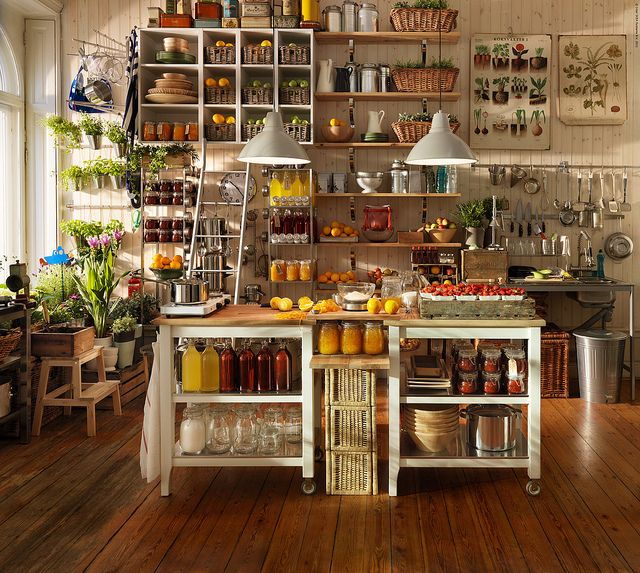 Ähnlich modulküche IKEA, Mix aus Metall und Holz!