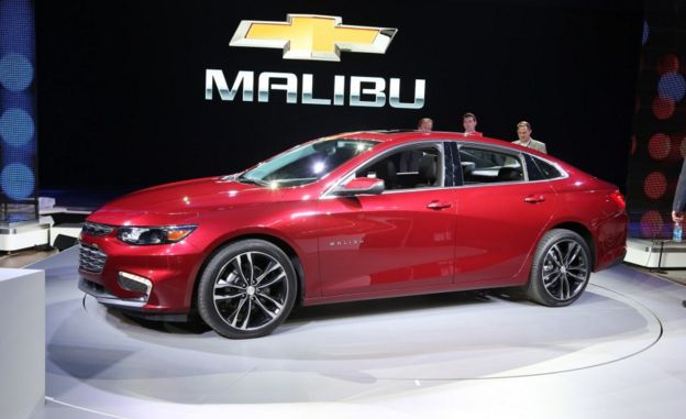 2016 Chevrolet Malibu Price, Performance, Horsepower – 2016 will be the season when Chevy will launch some of its best new vehicles. One of those is none other but the 2016 Chevy Malibu. There are some factors that make the car to be one of the best. The first one is none other but the very unique external style which creates the car to look way difficult and powerful. It cannot be declined that the surface style looks rather strong with the top part side grill, front part lights, fog…