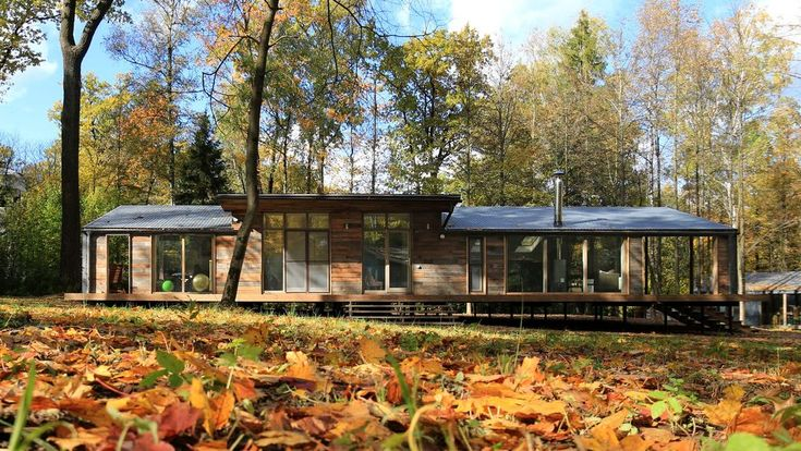 Clocking in at 1,184 square feet, this single-level woodland residence represents a larger home in the DublDom line up, which currently offers models ranging from 280 square feet to 1,400 square feet, for costs of between $23,000 and $100,000.