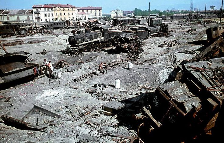 Effects of the Allied bombing of May 2, 1944 on railways Florence.