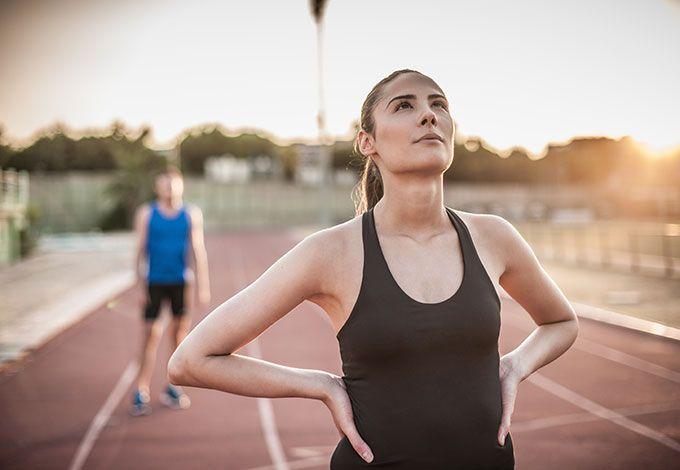 Как себя мотивировать? Мантры полезные и вредные Мы мечтаем больше двигаться, лучше себя чувствовать, укреплять мышцы и сохранять спортивную фигуру. Но как заставить себя регулярно отправляться в спортзал или на пробежку? Не все мотиваторы одинаково полезны…