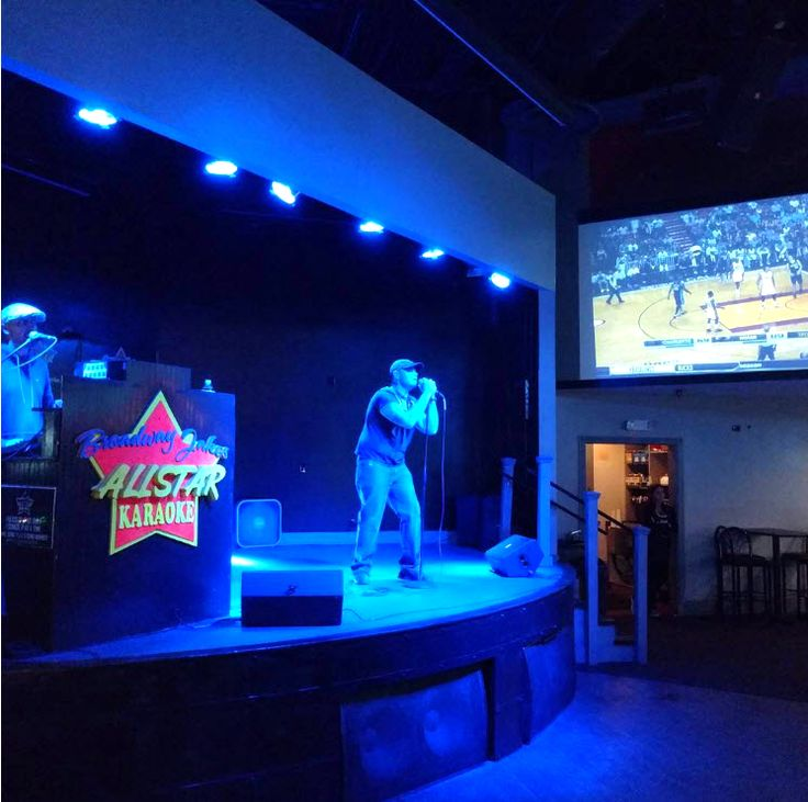 Show Us What Youve Got At Broadway Louies Jakes All Star Karaoke Takes Center Stage Nightly The Beach