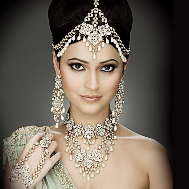 Indian Bridal Maquillage- Snow Queen  Posted by Soma Sengupta
