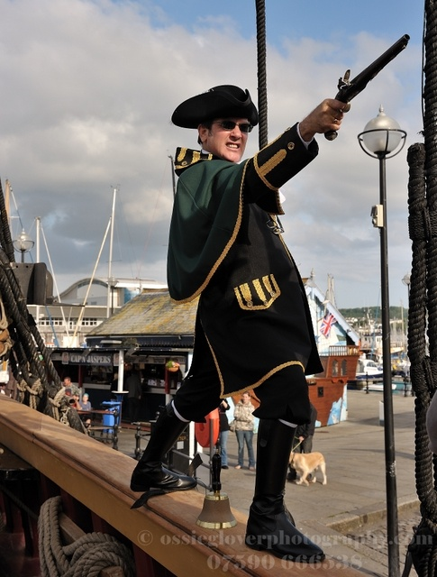 Plymouth Town Crier and all around Pirate Call 07538 199 694