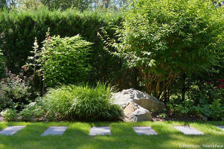 Comment tirer parti d'un terrain tout en longueur? L'architecte-paysagiste Alanig Le Calvez, du cabinet suisse Gilbert Henchoz, nous livre ses secrets à travers son aménagement très inspiré d'un jardin en couloir.