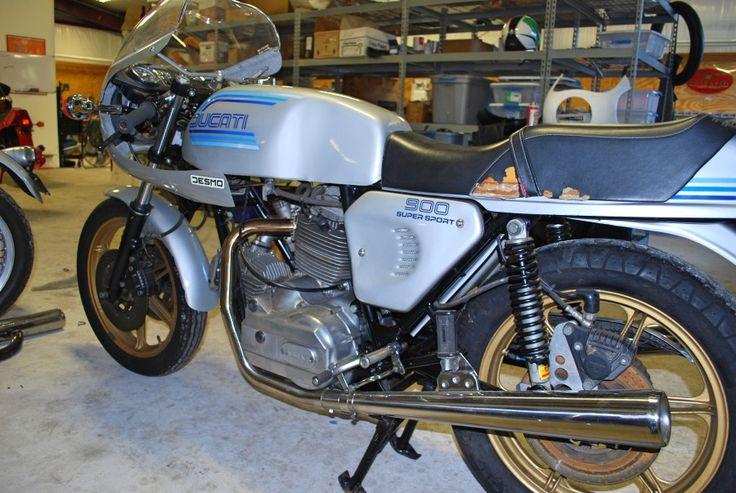 : 1982 ke: Ducati Model: 900SS Color: