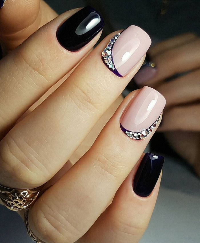 Short Nails Design In Black And Beige Decorated With Rhinestones Golde Trend Nails Beige Nails Black Nail Designs Nails Design With Rhinestones