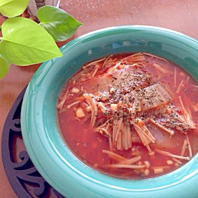 前日のトマトスープの残りにご飯を足してお手軽リゾットに♪ - 1件のもぐもぐ - トマトリゾット by asakok