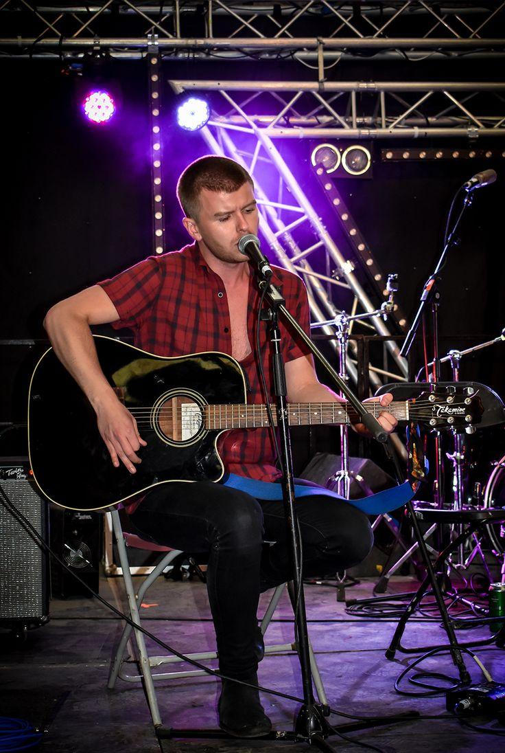 David Whelan of Irish band Wild youth singing at Indiependence Cork 2017