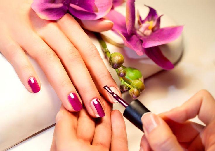 Tiesitkö tämän yllättävän syyn, miksi kynsilakka ei pysy? | Me Naiset