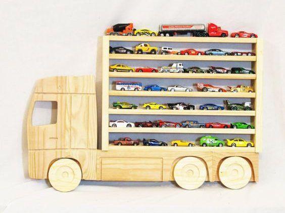15 ideias para guardar (ou reaproveitar) carrinhos Hot Wheels   Macetes de Mãe