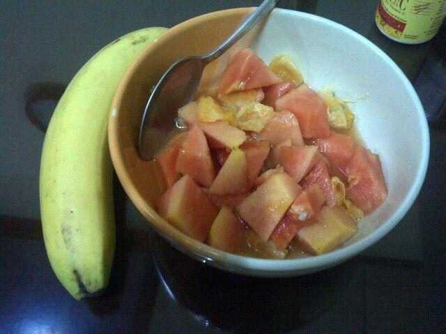 Simple dessert: papaya with orange juice