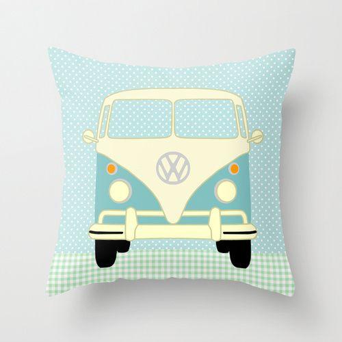VW Bus auf Polka Dots Kissenbezug // Bus / camper pillow case by VintagePaperGoods via DaWanda.com