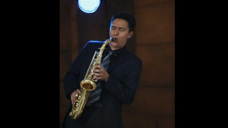 SAXO ROMANTICO EN BOGOTA (TE AMO FRANCO DE VITA) #saxophone #francodevita #iloveyou #love #inlove #Colombia
