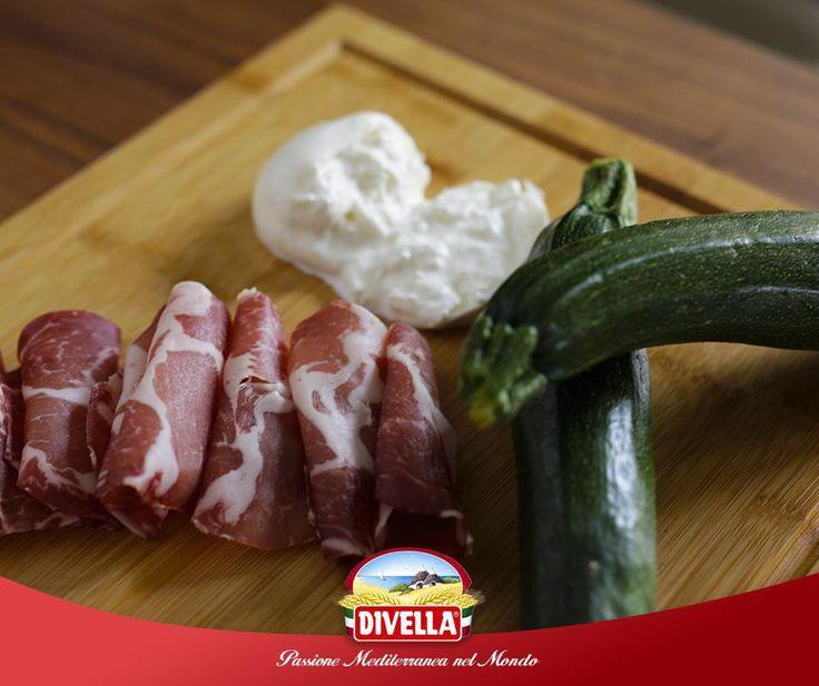 Zucchine fresche, burrata e capocollo. Qual è la tua ricetta ideale per cucinare questi ingredienti? Condividilo con #Divella!