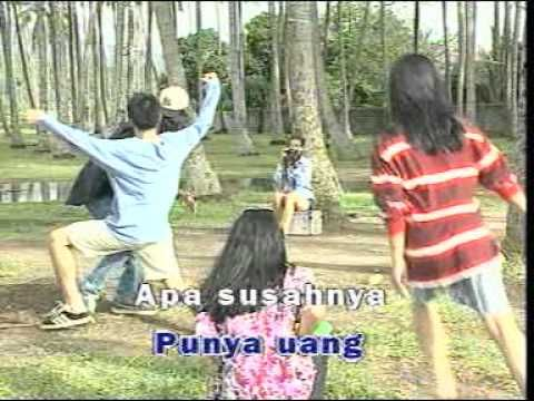 BUJANGAN  @ junior { Klip Asli }