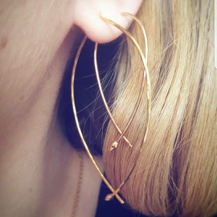Stella & Dot Large and Small and Gold Wire Hammered Hoops #stelladotstyle http://www.stelladot.com/deborahkachhal