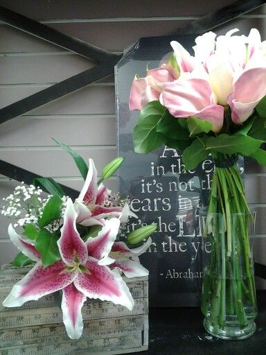Pin By Superior Hy Vee On Bridal Bouquets Pinterest