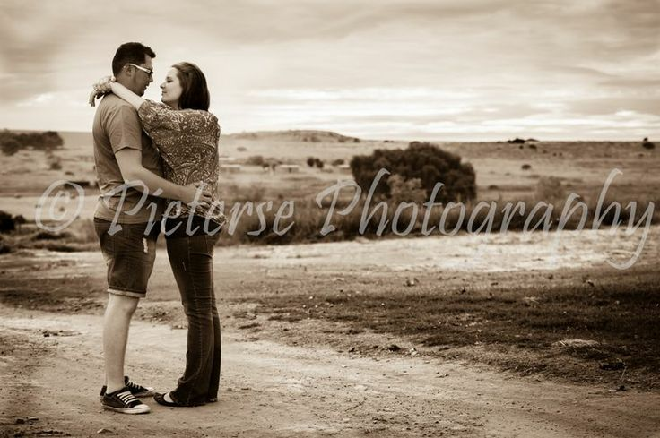 Engagement Photos taken by Pieterse Photography. Engagement photography. Engagement ideas.