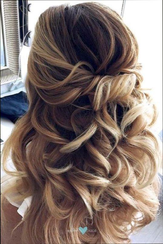 25 Peinados Semirecogidos Con Trenzas Para Fiestas Peinados Peinado Peinado Semirecogido Con Trenzas Semirecogido Con Trenzas Trenzas Para Fiestas
